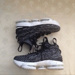 NIKE LEBRON 15 ASHES GS OREO BLACK WHITE SHOES